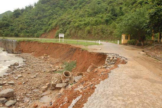 Anh minh hoa Điều tra đánh giá và phân vùng cảnh báo nguy cơ trượt lở đất đá các vùng miền núi Việt Nam